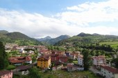 Covadonga Lakes, A Prehistoric Cave, and Pretty Towns – 3 Nights in Cangas de Onis