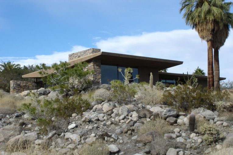 Biking a Mid-Century Modern Tour in Palm Springs | rebeccasnyder.com