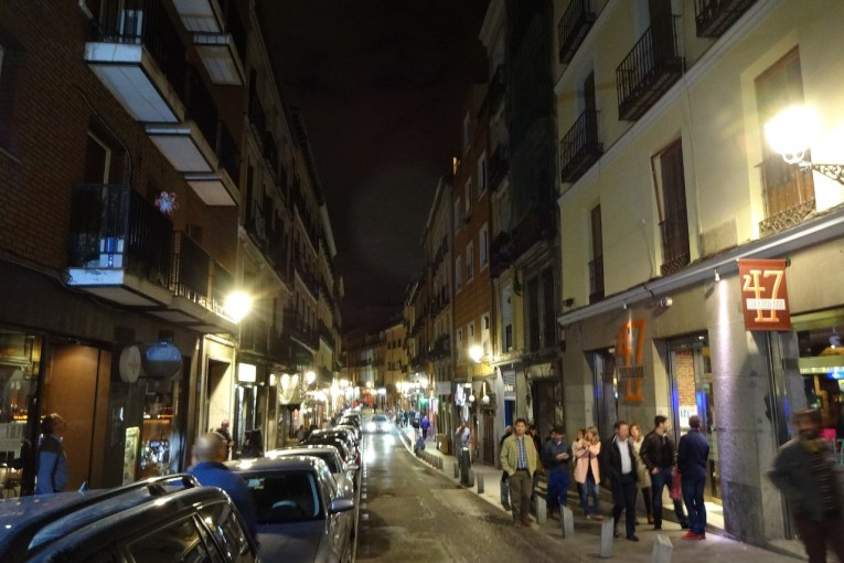 Calle de Cava Baja at midnight