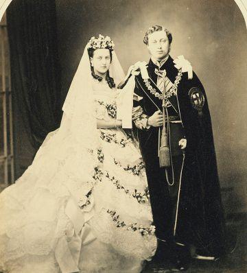 Wedding_of_Albert_Edward_Prince_of_Wales_and_Alexandra_of_Denmark_1863.jpg