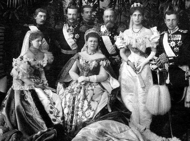grand_duchess_maria_alexandrovna_and_her_family_coronation_picture