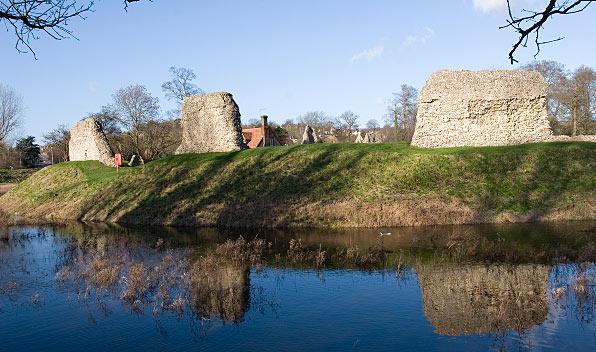 Berkhamsted_Castle_Jan_2007.jpg