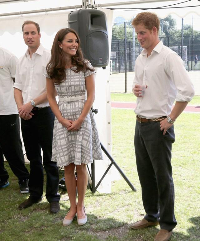 Kate-Middleton-Prince-Harry-Giggly-Moments-05052013-06.jpg