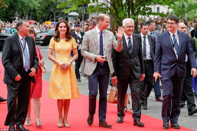 4283126000000578-4713936-William_and_Kate_will_spend_time_with_Nobel_Prize_winner_Dr_Hara-a-100_1500569157615.jpg