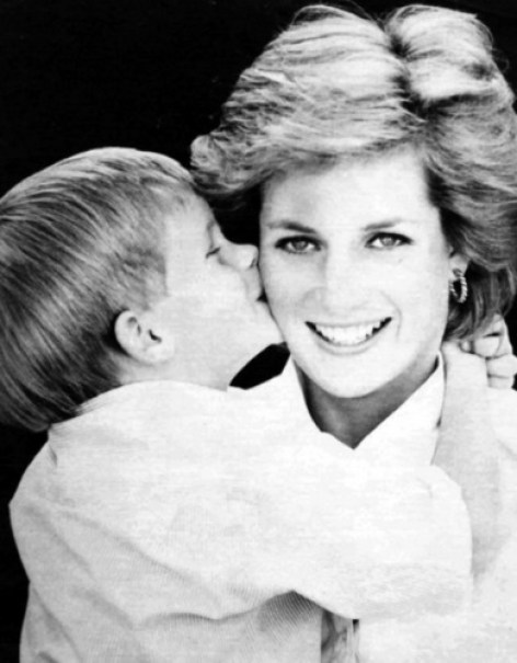 diana-and-her-sons-princess-diana-21947390-390-500.jpg