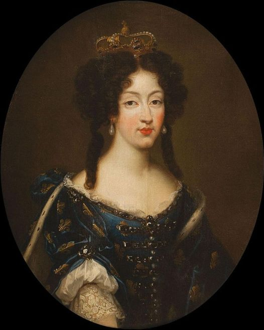 800px-Marie_Louise_d'Orléans_by_Mignard_wearing_the_Fleur-de-lis_(showing_her_dignity_as_a_Grand_daughter_of_France)_and_the_Spanish_crown.jpg