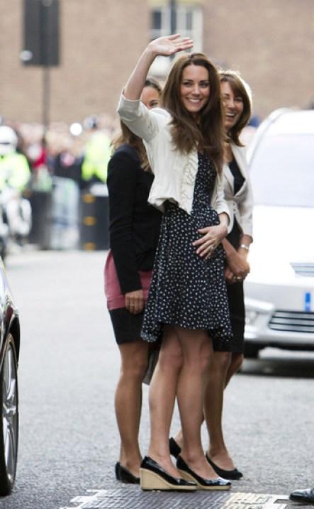 Kate+Middleton+Pippa+Middleton+Kate+Middleton+MoNzMDKiNiVl