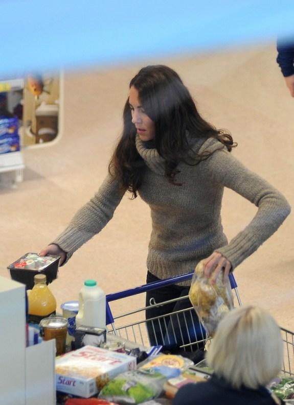 Duchess+Kate+gets+Groceries+xdukpQstq9yx