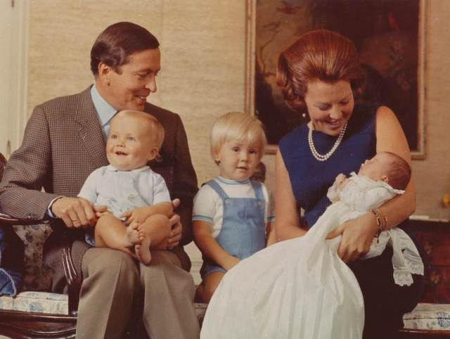 princess-beatrix-prince-claus-and-their-three-children-1969