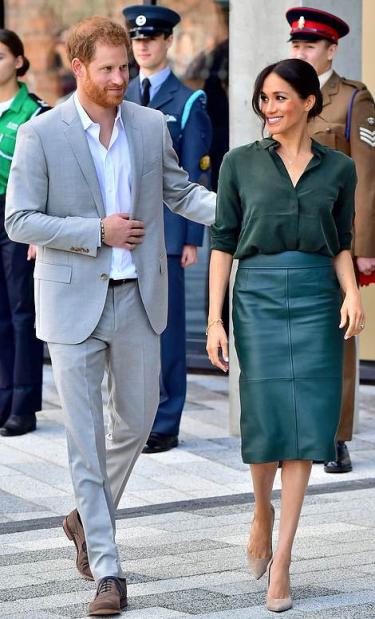 green hugo boss skirt