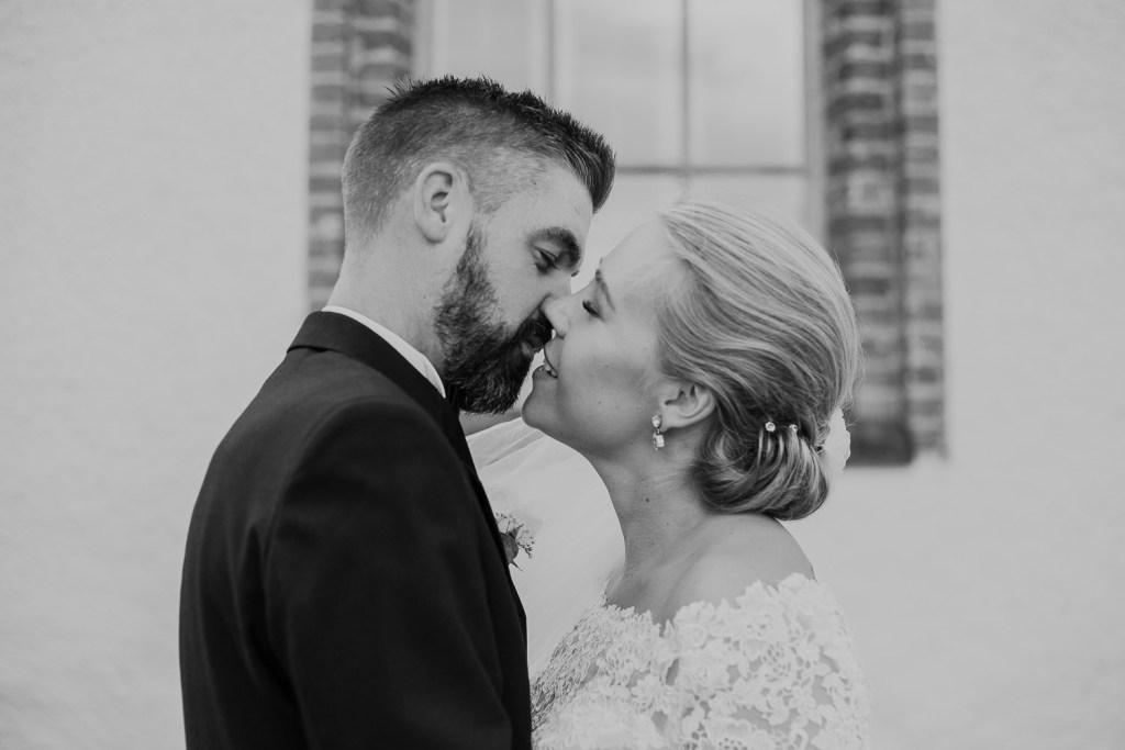 Rebecka Thorell Photo, bröllopsfotograf, långtora kyrka, friibergs herrgård bröllop, bröllop 2019, bröllop 2021, långtora kyrka