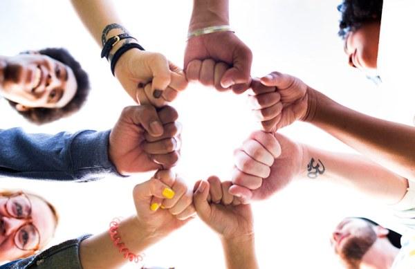 How-to-Build-a-Social-Media-Dream-Team