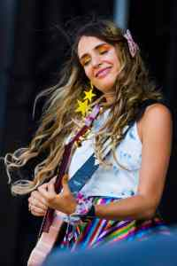 Sadie Dupuis playing Riot Fest 2018 with Speedy Ortiz