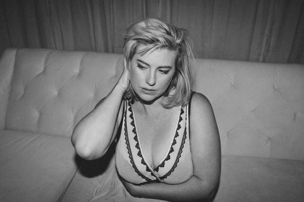 mikelllouise_erin boudoir blog-2