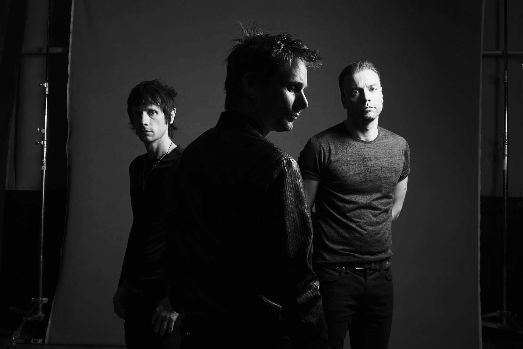 Muse announce new album Drones release date and tour dates