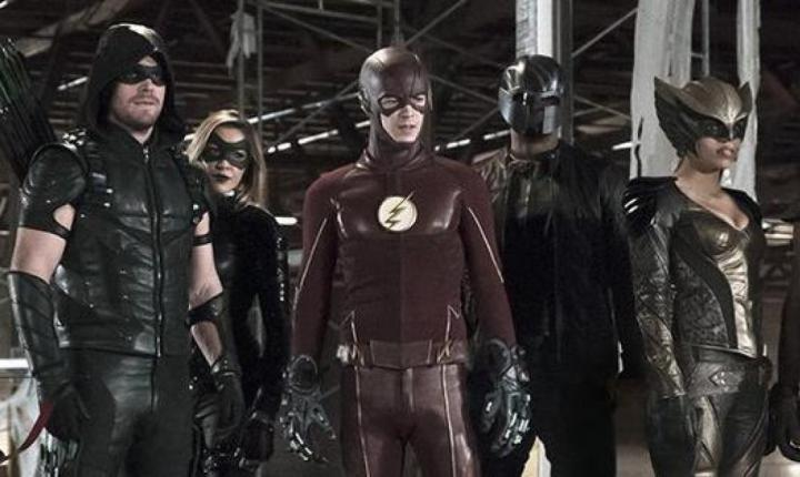 The Flash / Arrow Crossover – Legends Everywhere!
