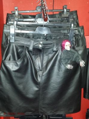 20141115-024wm Skelly leather clothes
