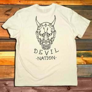 Тениска Dishonored Devil Nation White гръб