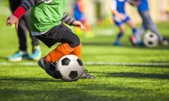 футболист для детей картинки