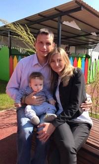 Виталий Айнетдинов с семьей