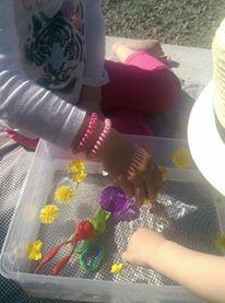 transvasement soupe de fleurs spring activities toddler