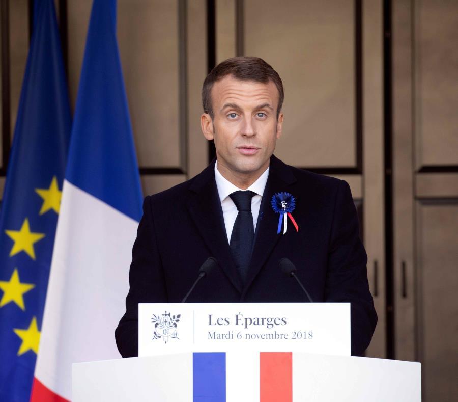 Macron reclama un