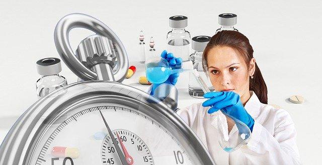 É preciso esperar pela vacina.jpg