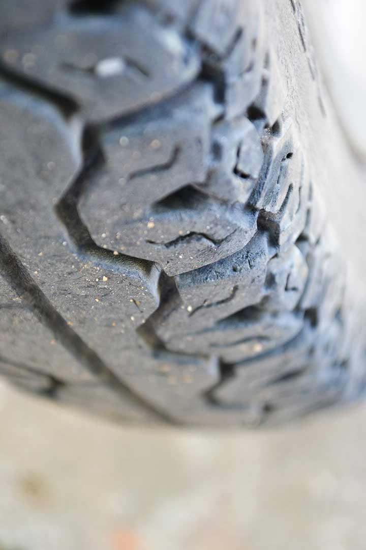 Campaña-de-la-DGT-para-inspección-de-neumáticos-y-otros-elementos-recambios-infra