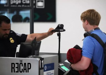 استخدام تقنية التعرف على الوجه في المطارات
