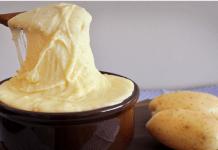 Receita de Aligot purê de dois queijos elástico