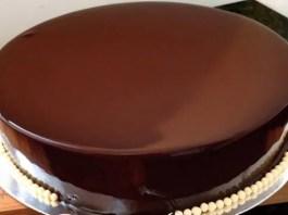 Receita de Cobertura de Chocolate Espelhada