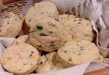 Receita de Pãezinhos rápidos de queijo