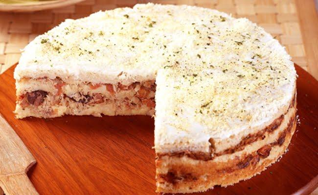 Receita de Torta Salgada de Pão e Atum