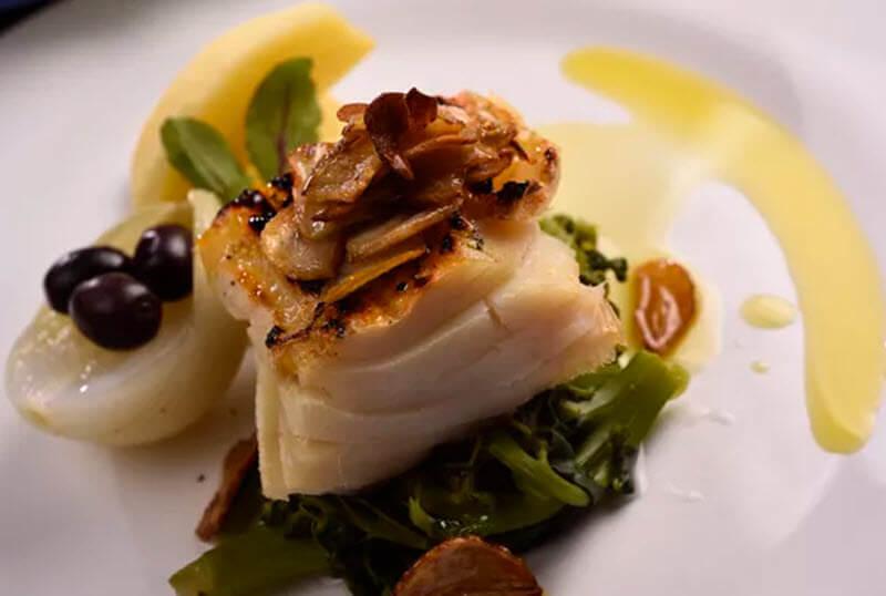Veja como preparar o bacalhau à portuguesa
