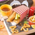 Fish and Chips (Isca de Peixe Empanado com Batatas Assadas)