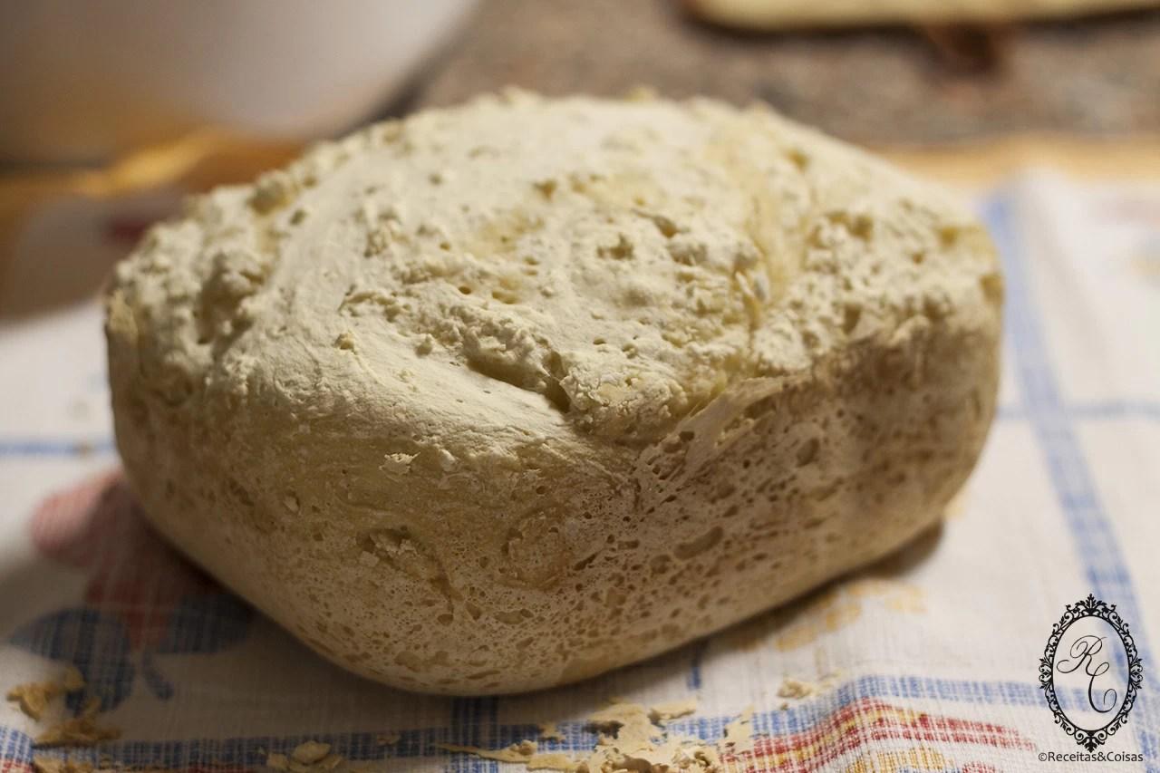 Pão Básico Sem Glúten na Máquina de Fazer Pão (MFP)