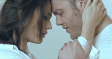 Tiziano ferro il nuovo singolo solo solo una parola testo e videoclip - A finestra carmen consoli testo ...