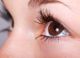 9 Best Ways to Get Longer and Thicker Eyelashes