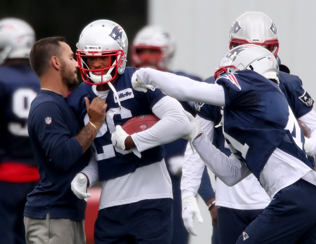 1631851001 424 Patriots down two starters for a second straight practice Thursday