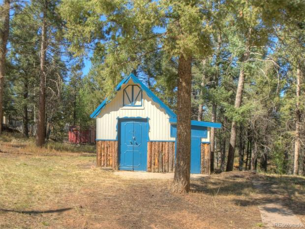 1632573729 452 3 mountain homes in Colorado that you can buy for