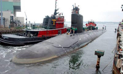 Navy engineer charged with trying to pass nuclear secrets