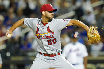 Wainwright steps into FS1 broadcast booth for White Sox-Astros ALDS