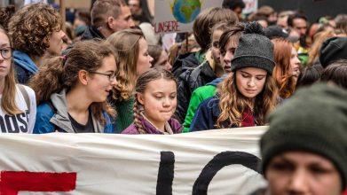 Image result for Luisa Neubauer ist als ONE Jugend-Botschafterin Aushängeschild der Mega-Konzerne