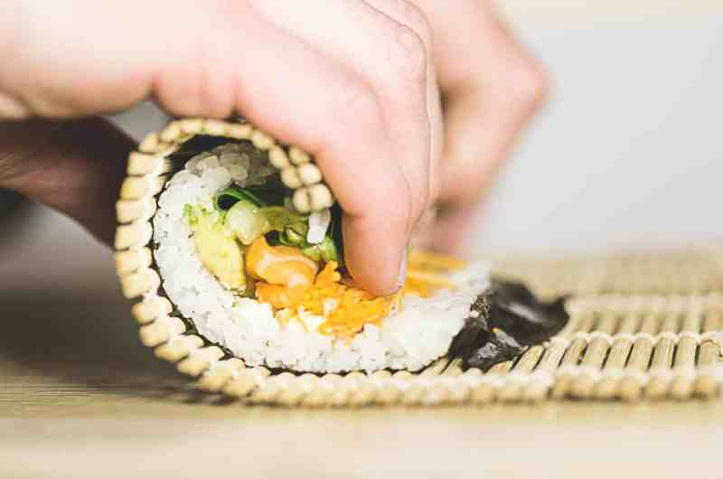 Sushi rijst koken