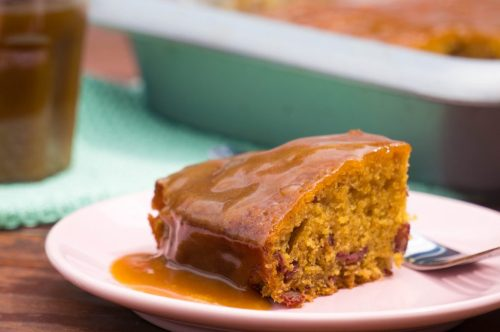 Sticky Toffee Pudding + karamelsaus| Buzz in the Kitchen