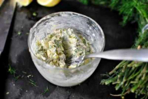 Лосось на гриле с лимонным маслом