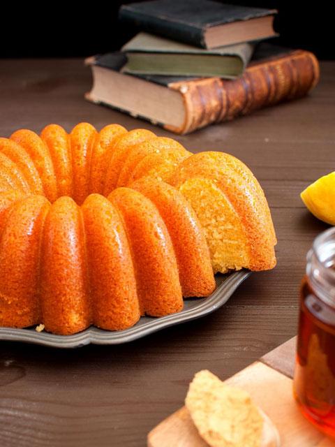 Лимонно-имбирный медовый торт