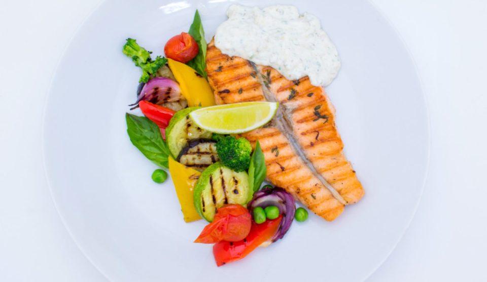 3 самых популярных рецепта приготовления лосося-гриль.