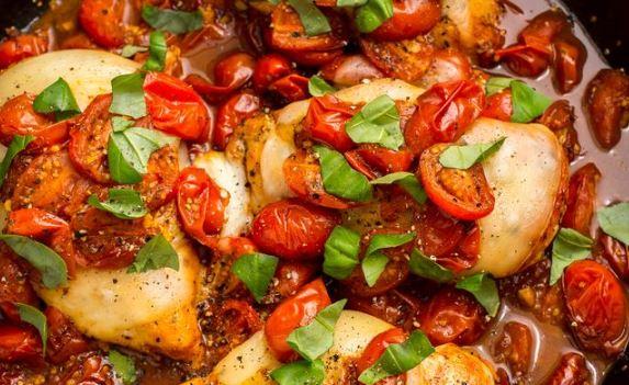 Pollo con vinagre y tomate