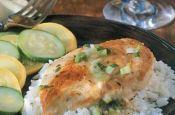 pollo con salsa de cebolla